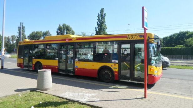 Autobus ostrzelany przy Odrowąża (zdjęcie ilustracyjne) Lech Marcinczak / tvnwarszawa.pl