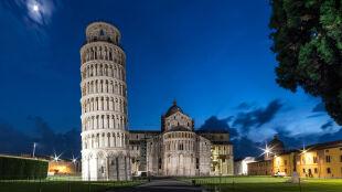 Trzęsienia ziemi nie zawaliły Krzywej Wieży. Bo jest krzywa