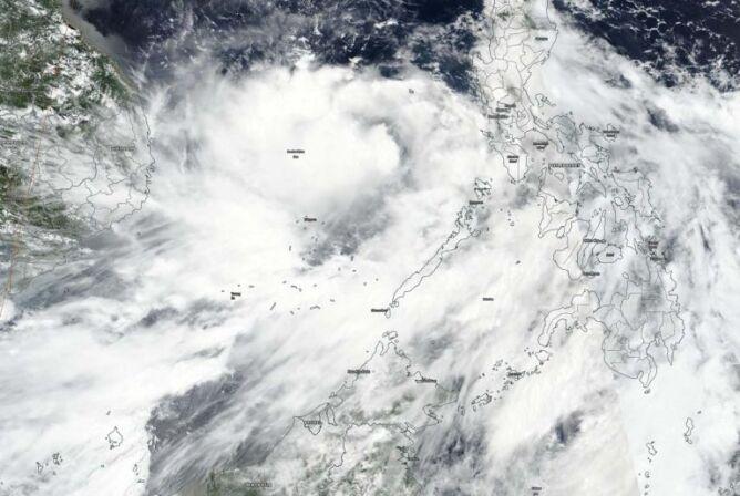 Zdjęcie satelitarne burzy Noul z 16 września (NASA Worldview, Earth Observing System Data and Information System (EOSDIS))