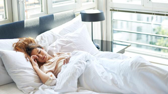 Lubisz odsypiać? To może prowadzić <br />do cukrzycy i chorób serca