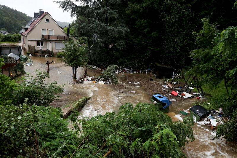 Ulewy przeszły przez Niemcy (PAP/EPA/FRIEDEMANN VOGEL)